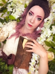 pink hair model