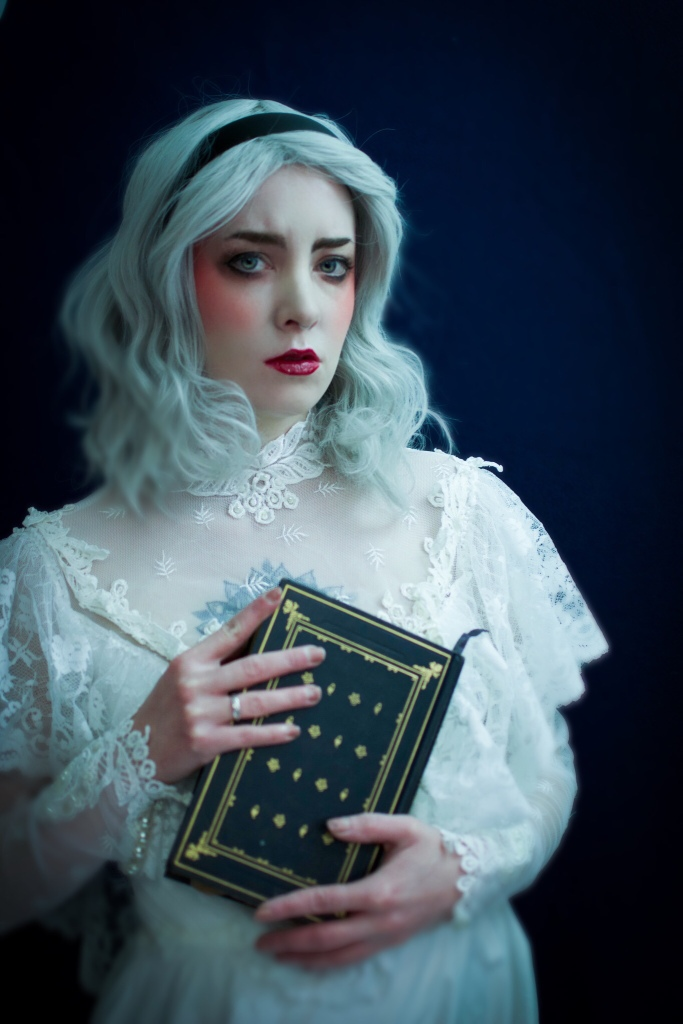 Sabrina Spellman Dark Baltism Cosplay photoshoot